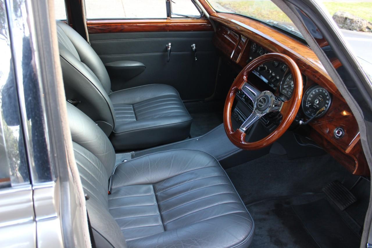 Jaguar 3.8 MKII #12