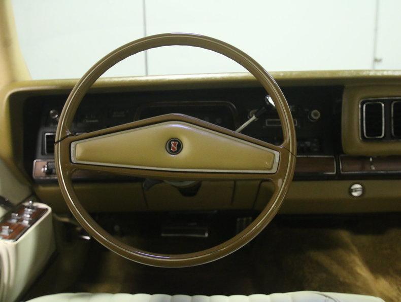 1975 Chrysler New Yorker Brougham #39
