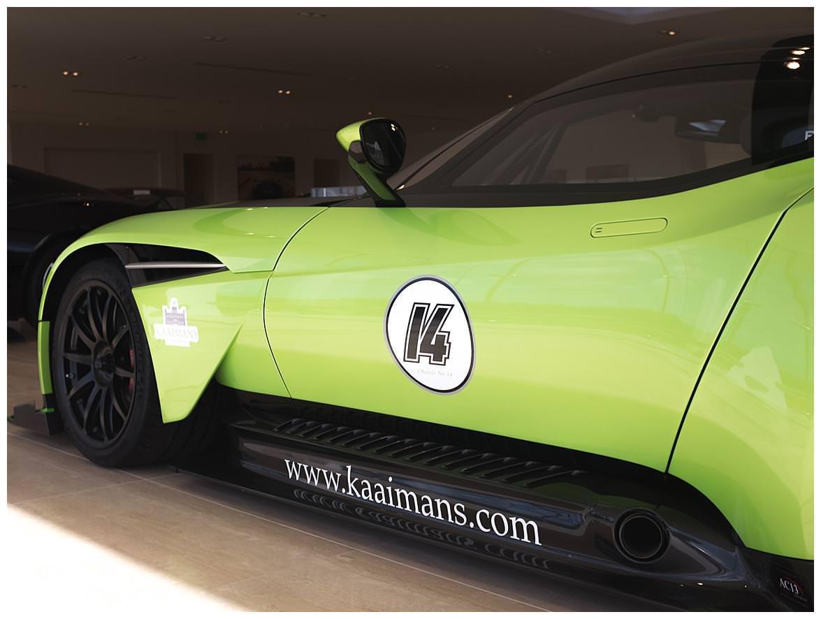 Aston Martin Vulcan (Vat Qualifying) #28