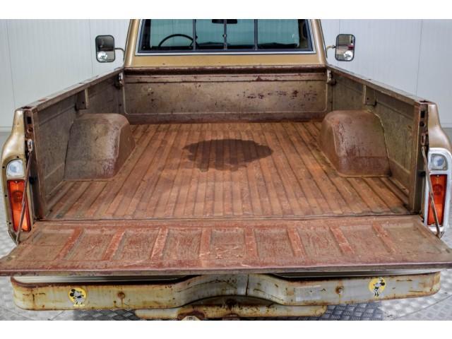 Chevrolet Pickup Custom Camper V8 #17