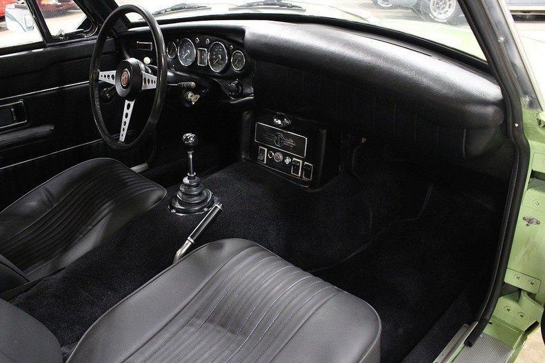 1970 MG MGB GT #12