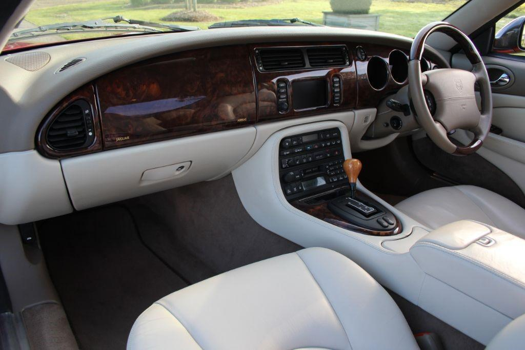 Jaguar XK XKR COUPE #6