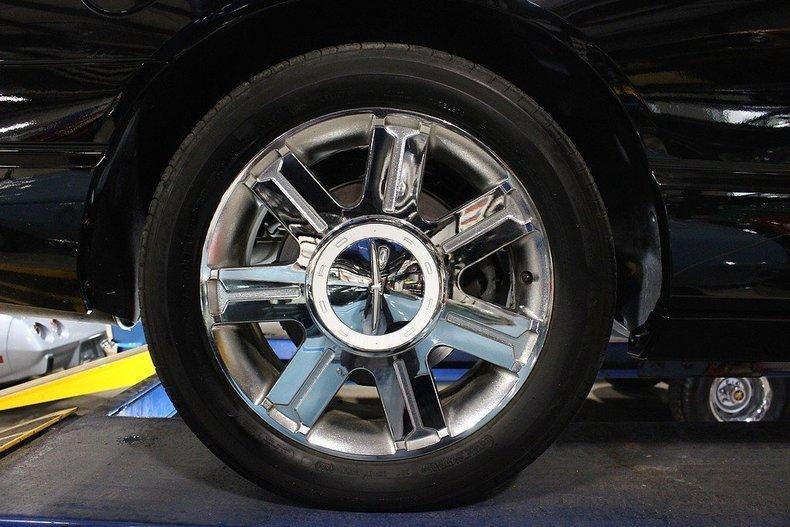 2005 Ford Thunderbird #106