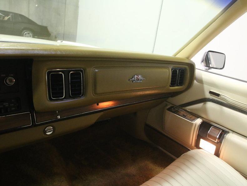1975 Chrysler New Yorker Brougham #44