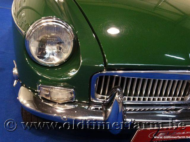 MG B Roadster Green '66 #23