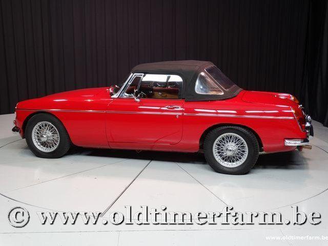 MG B Roadster Red '67 #216