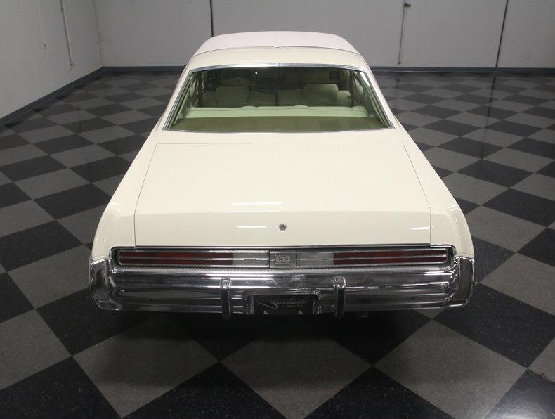 1975 Chrysler New Yorker Brougham #17