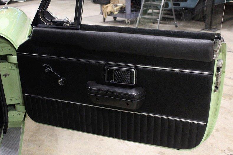 1970 MG MGB GT #11
