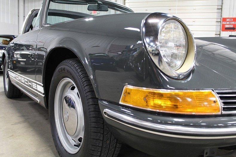 1969 Porsche 911 T #27