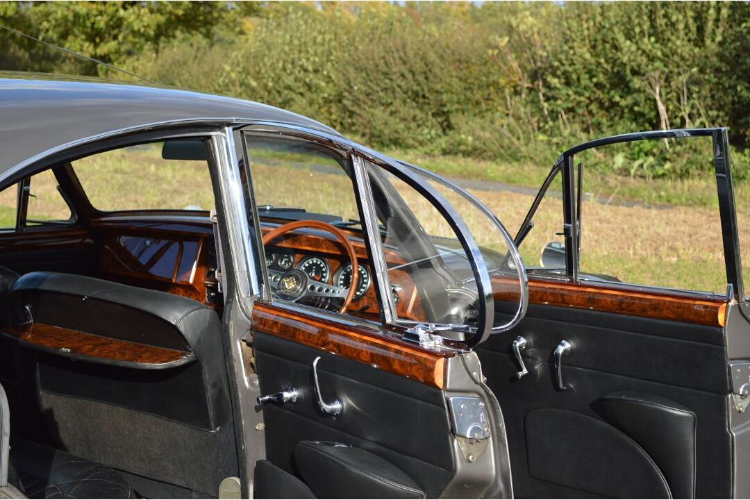 Jaguar Mk2 3.8 Genuine Coombs #17