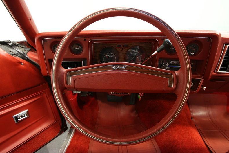 1977 Chevrolet Monte Carlo Landau #38