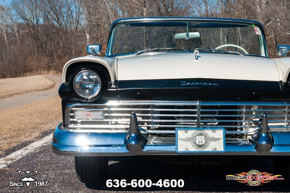 1957 Ford Fairlane 500 Sunliner Restomod #15