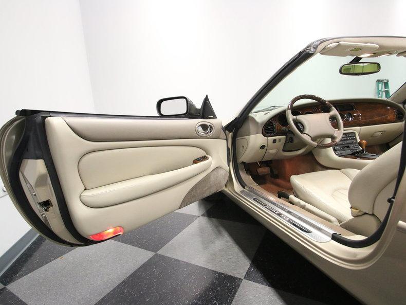 2000 Jaguar XK8 #40