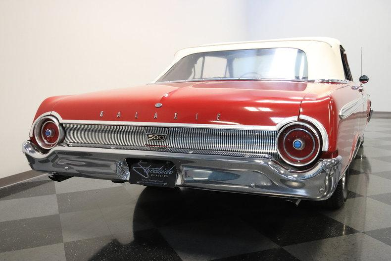 1962 Ford Galaxie 500 Sunliner #18