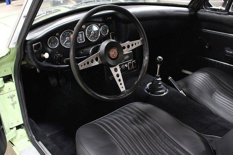 1970 MG MGB GT #16