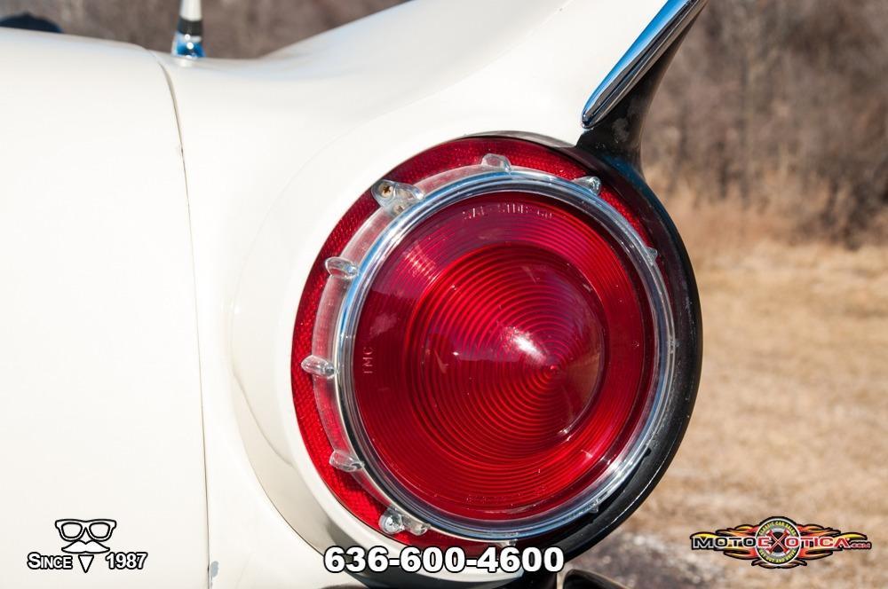 1957 Ford Fairlane 500 Sunliner Restomod #44