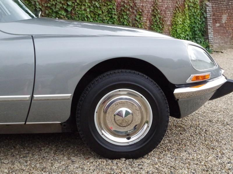 CITROËN DS21 PALLAS INJECTION WITH SUNROOF AND MANUAL GEARBOX! . (1970) #22