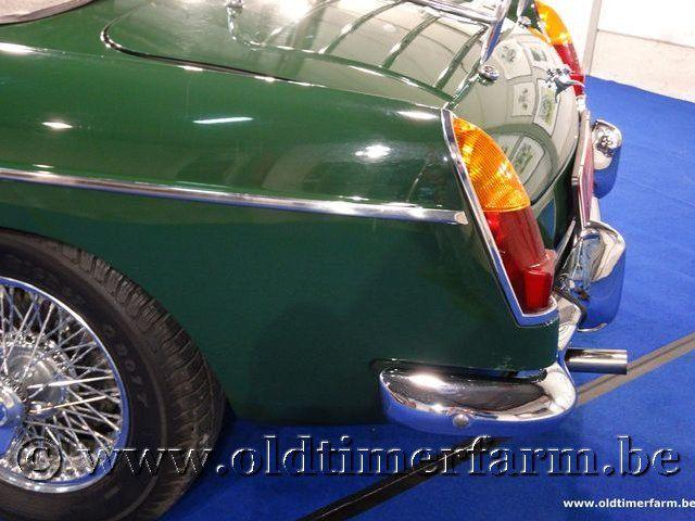 MG B Roadster Green '66 #43