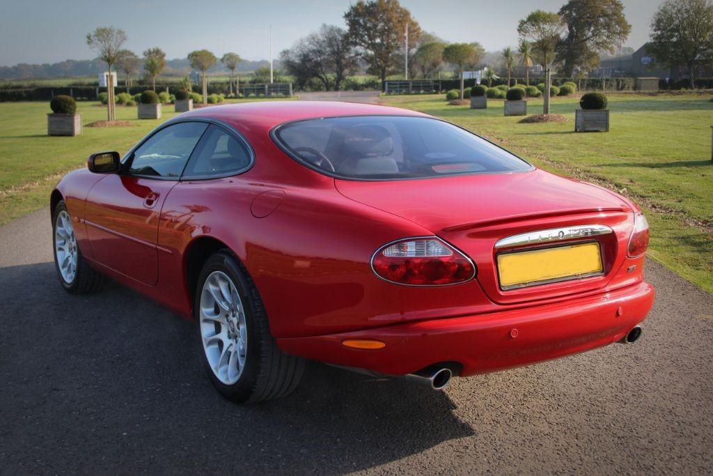 Jaguar XK XKR COUPE #9