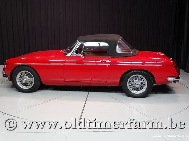 MG B Roadster Red '67 #215