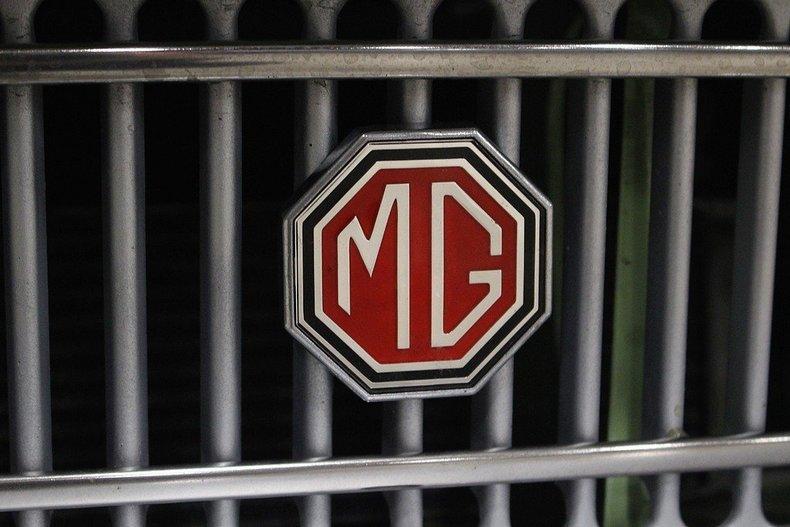 1970 MG MGB GT #26