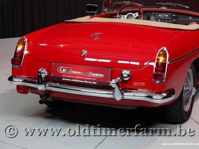 MG B Roadster Red '67 #95