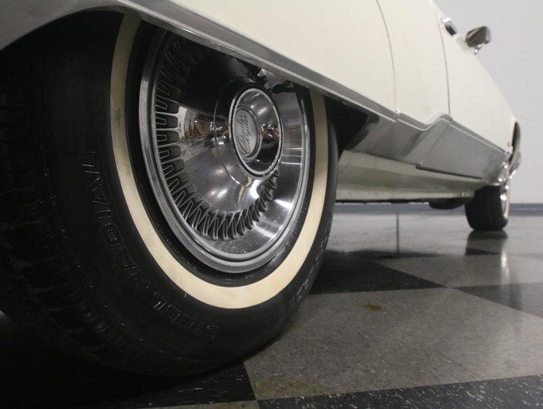 1975 Chrysler New Yorker Brougham #21
