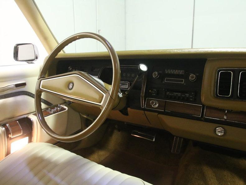 1975 Chrysler New Yorker Brougham #52