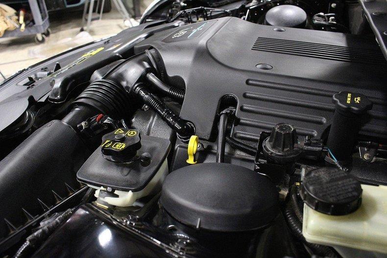 2005 Ford Thunderbird #61