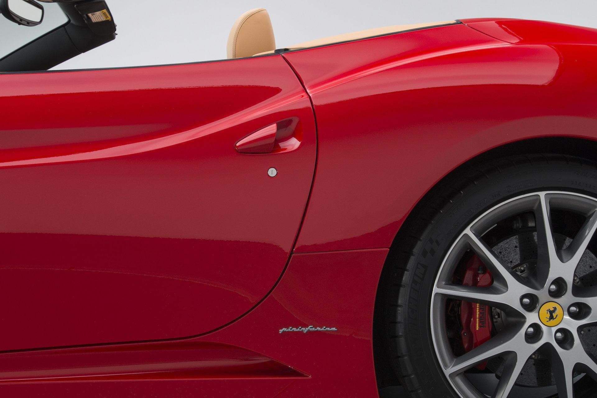 2010 Ferrari California2010 Ferrari California #33