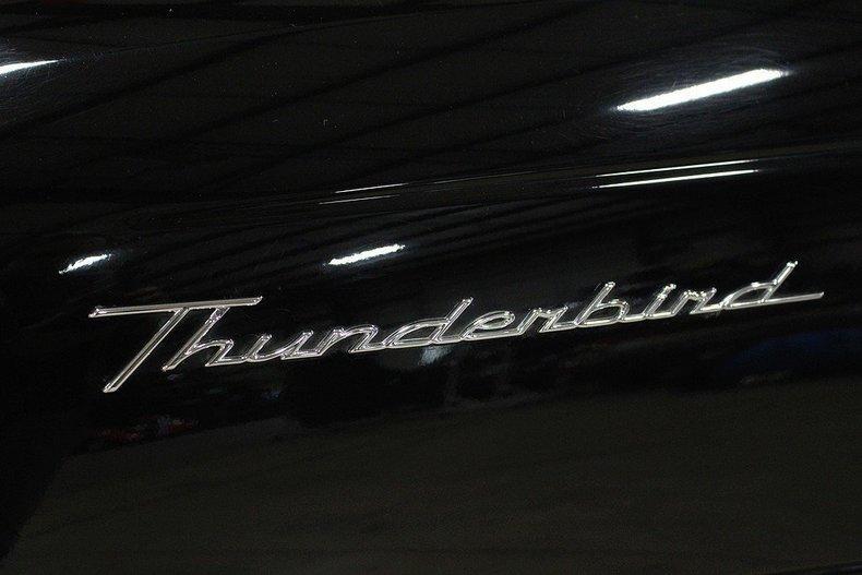 2005 Ford Thunderbird #30