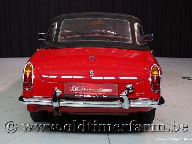 MG B Roadster Red '67 #196