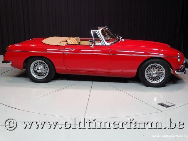 MG B Roadster Red '67 #75