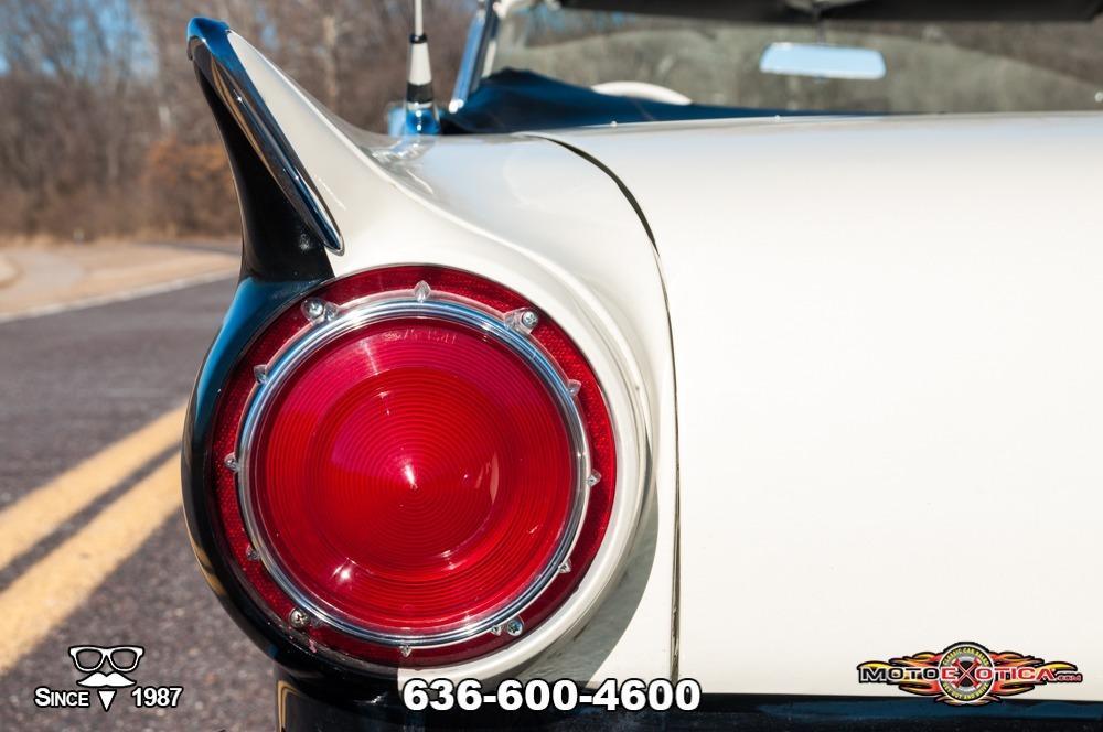 1957 Ford Fairlane 500 Sunliner Restomod #40