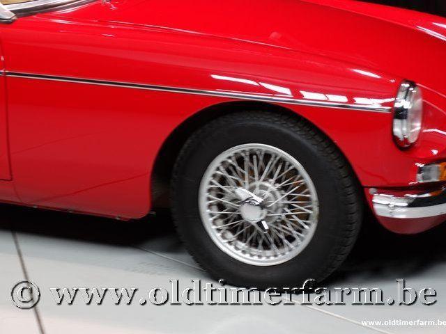 MG B Roadster Red '67 #105