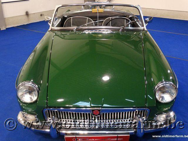 MG B Roadster Green '66 #18