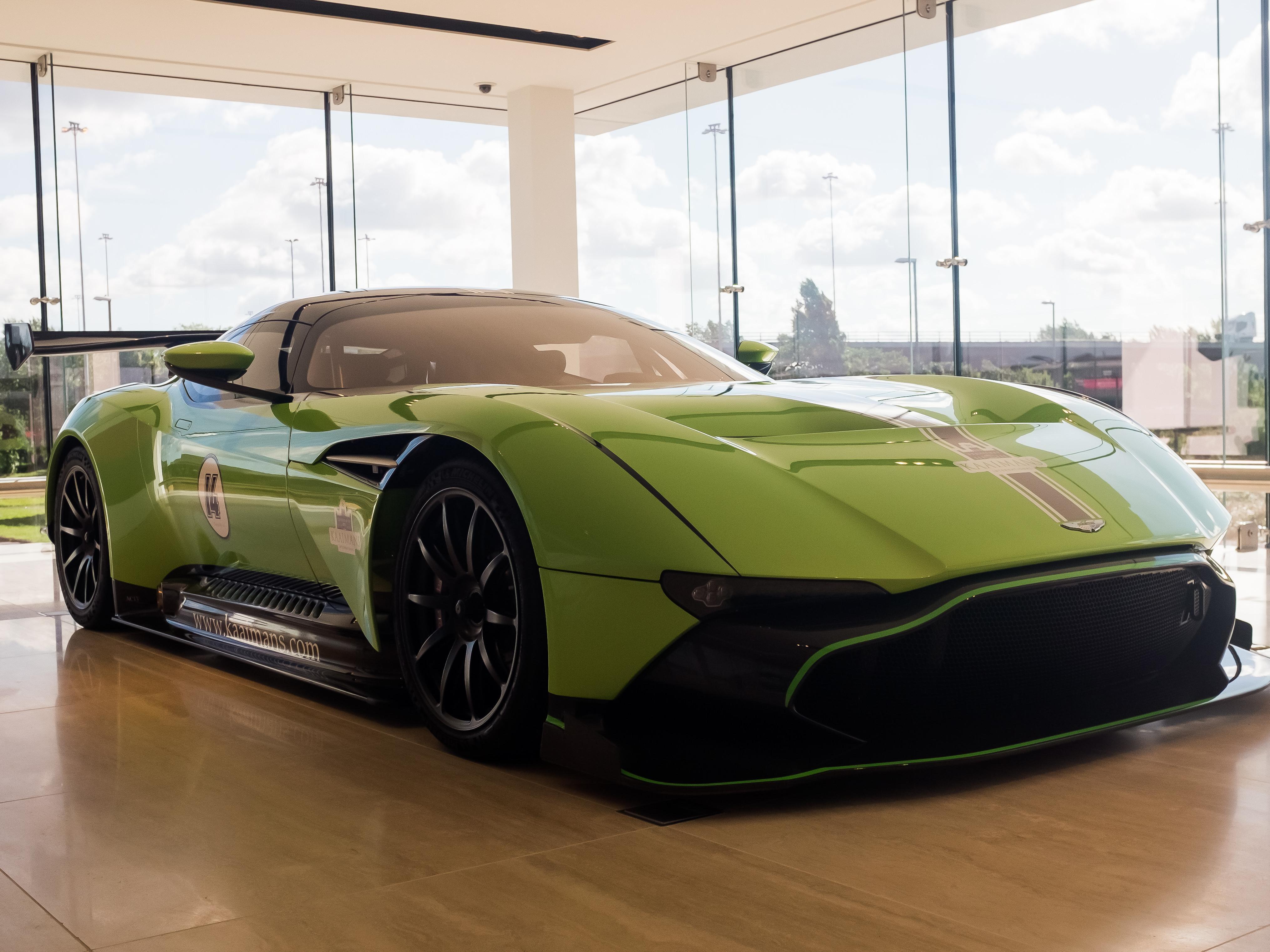 Aston Martin Vulcan (Vat Qualifying) #44