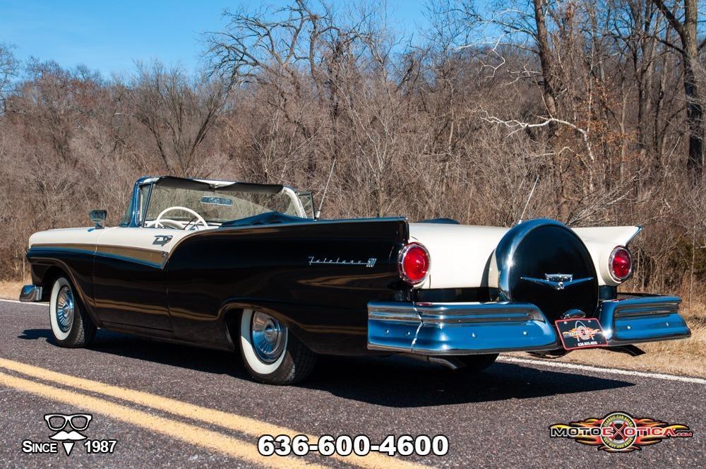 1957 Ford Fairlane 500 Sunliner Restomod #11
