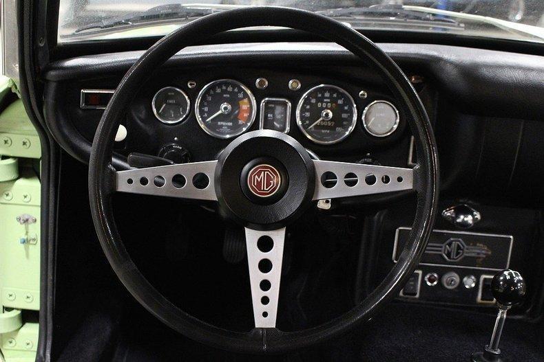 1970 MG MGB GT #35