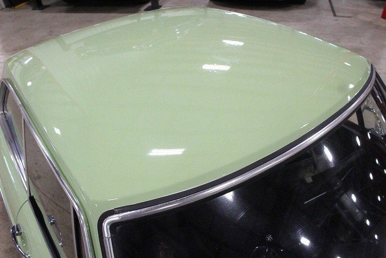 1970 MG MGB GT #9