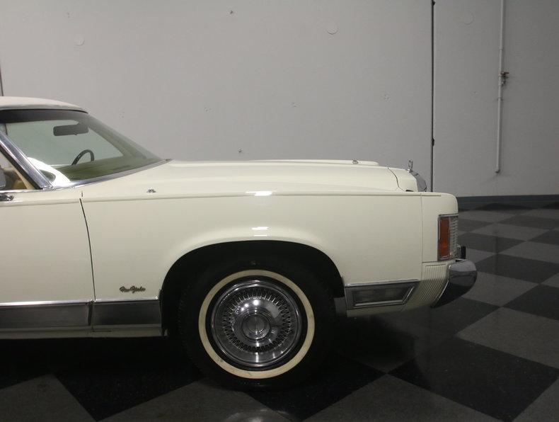 1975 Chrysler New Yorker Brougham #26
