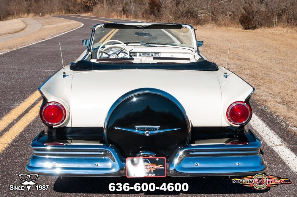 1957 Ford Fairlane 500 Sunliner Restomod #10