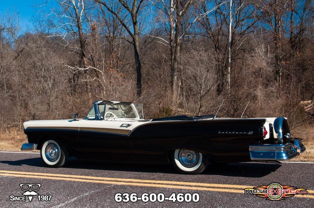 1957 Ford Fairlane 500 Sunliner Restomod #12