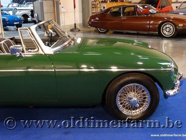 MG B Roadster Green '66 #16