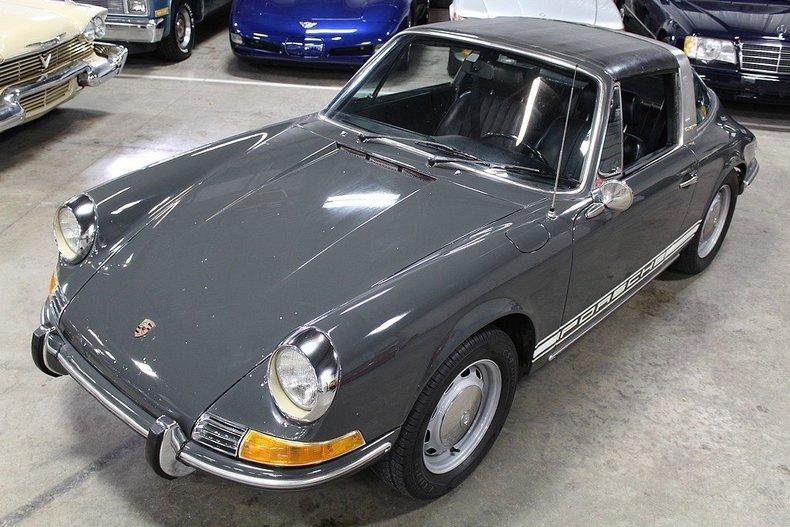 1969 Porsche 911 T #8