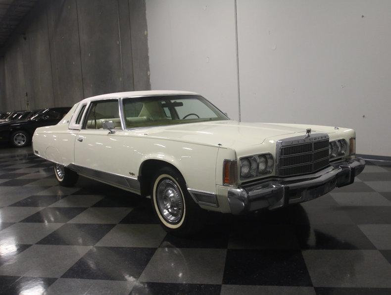 1975 Chrysler New Yorker Brougham #27