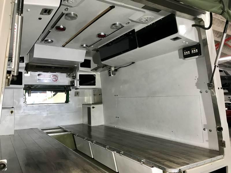 Land Rover Defender 110 Perentie Ambulance 6x6 1989 #6