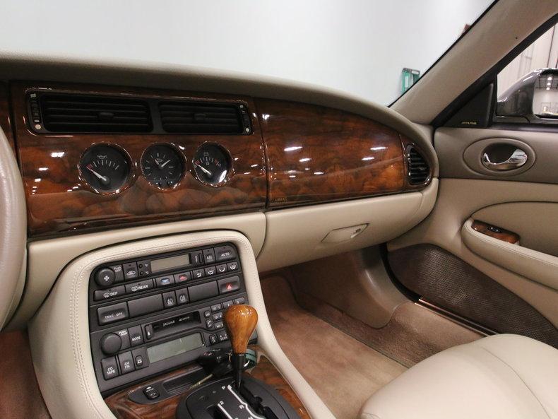 2000 Jaguar XK8 #47