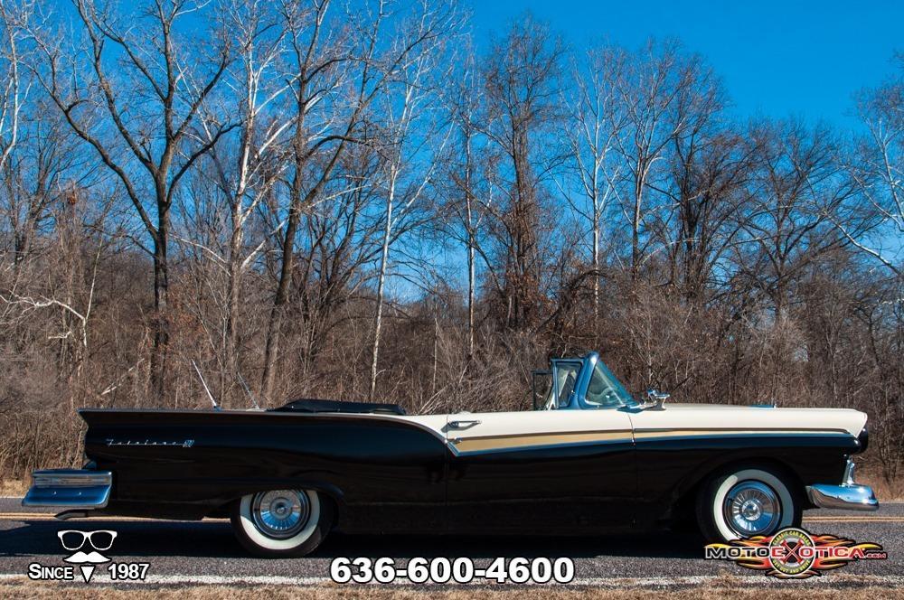1957 Ford Fairlane 500 Sunliner Restomod #6