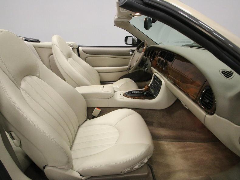 2000 Jaguar XK8 #52